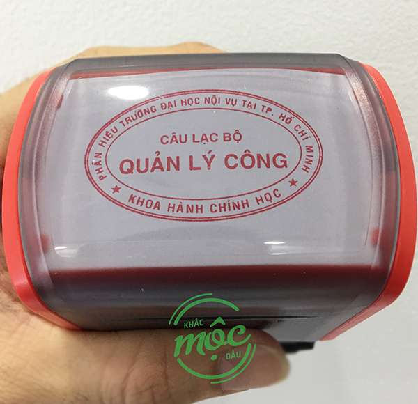 khắc con dấu oval
